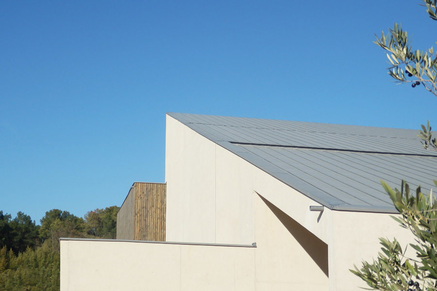 Leteissier Corriol - Agence d'architecture - Gymnase lycée Orange livré